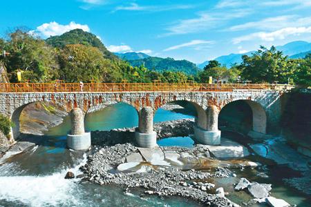 風情照片-糯米橋,國姓鄉三級古蹟。