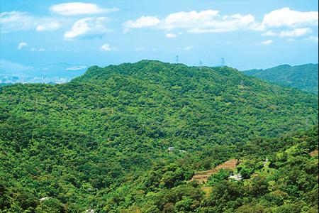 風情照片-平台狀的土庫岳。
