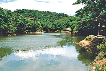 風情照片-大武崙山觀情人湖。