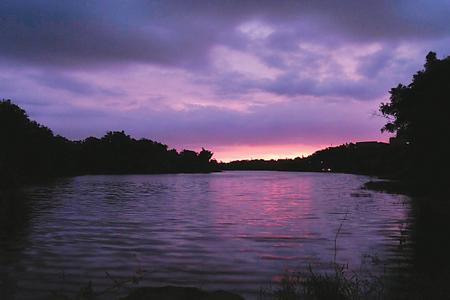 風情照片-紅毛埤的晚霞。