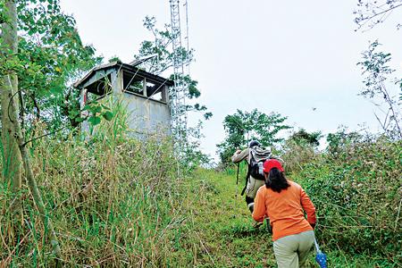 風情照片-西阿里關山山頂瞭望台。圖/陳丁旺
