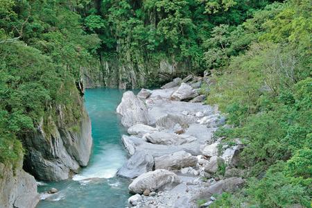 風情照片-砂卡礑溪。