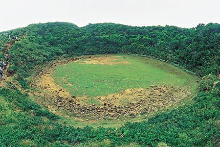 風情照片-枯水期的蘭嶼小天池。