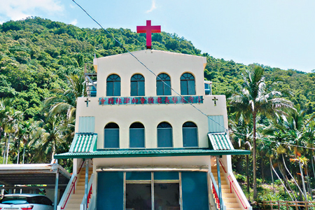 風情照片-林道入口的加津林教會。
