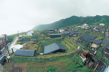 風情照片-台灣世界遺產潛力點的野銀村有大片傳統住屋。