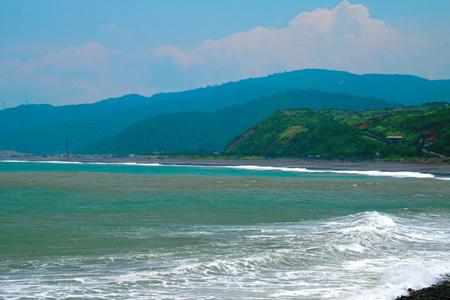 風情照片-太平洋岸的巴塱衛山區。圖/崔祖錫